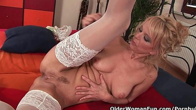 Hot granny gives her creamy..