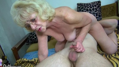 HOT Young guy fucking granny..