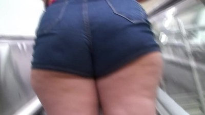 Latina MILF Thick Chubby Ass..