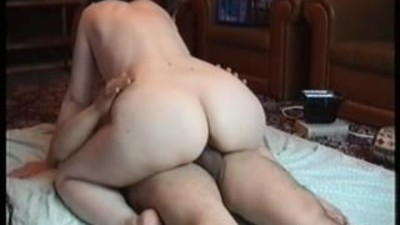 Wife with nice ass rides her..