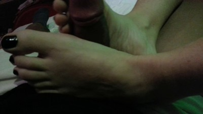 Mature white feet footjob..