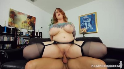 Sexy Tattooed BBW MILF Gets..