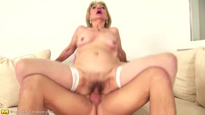 Amateur mother used and..