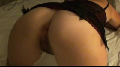 Slutty wife shows her ass off