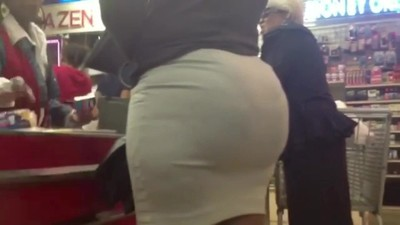 PHAT ASS IN A SHORT SKIRT