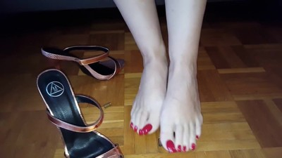 Footplay to protect toenails..