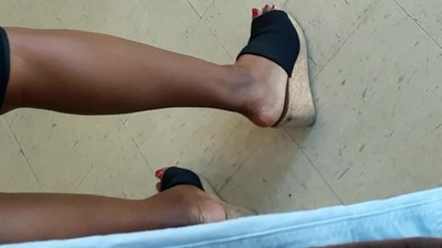 Ebony Mature feet in Wedges